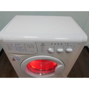 Стиральная машина Indesit q230 б/у