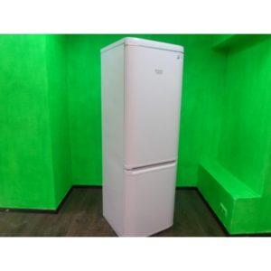Холодильник Ariston b180 б/у